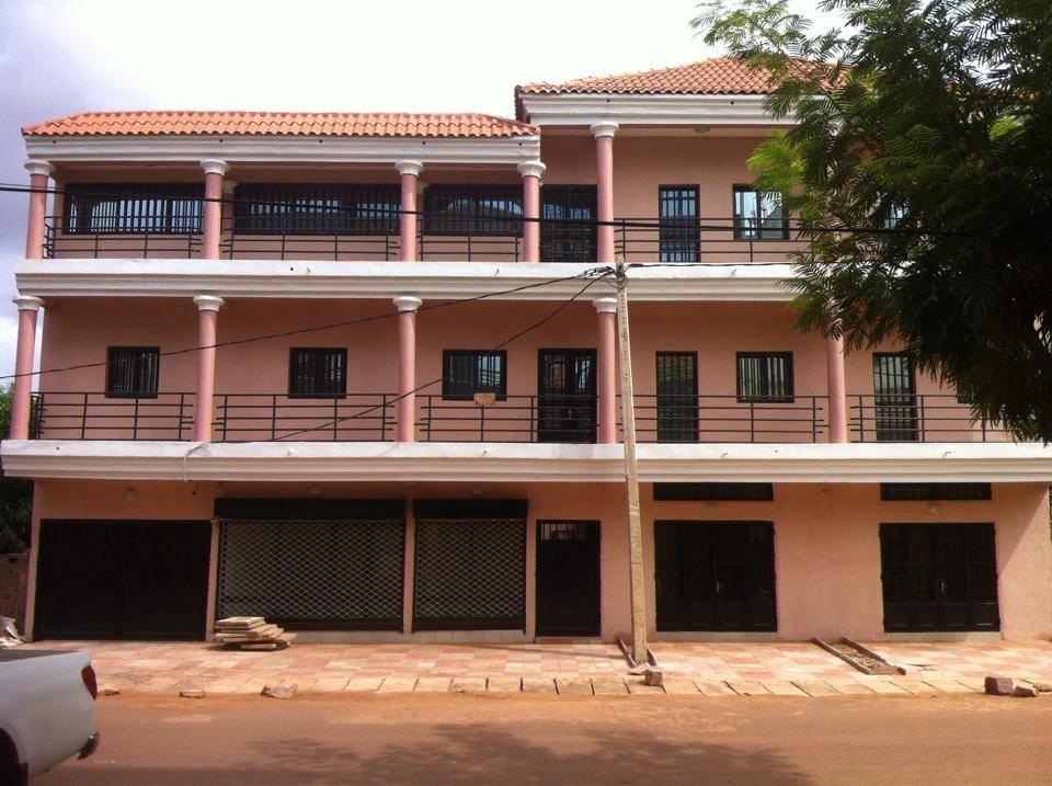 bureaux louer hamdallaye aci 2000 bamako seloger mali. Black Bedroom Furniture Sets. Home Design Ideas