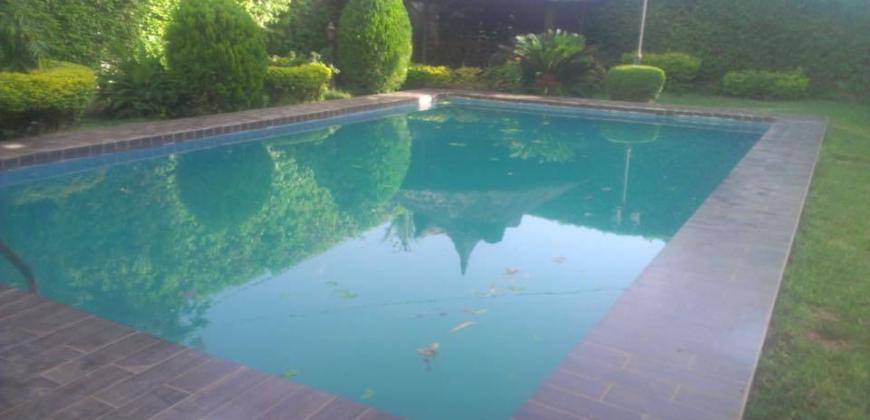 Villa avec piscine a louer ou A vendre a Magnambougou Faso kanu