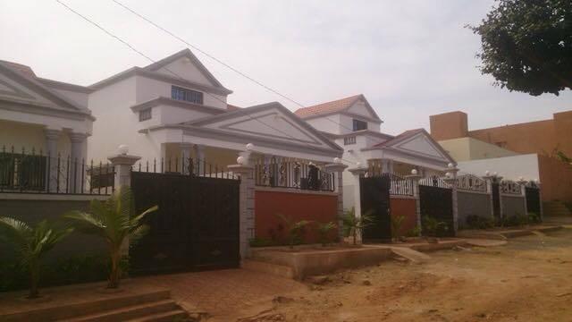 Villa zerny a vendre a yirimadio ref 2248 se loger au mali for Construire une maison au mali