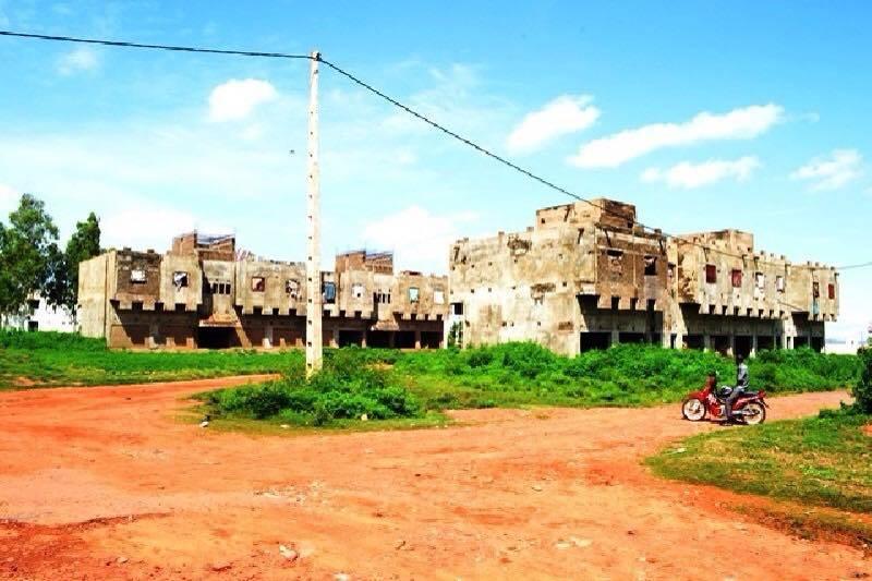 immeubles commerciaux vendre faladi bamako ref 2456 se loger au mali. Black Bedroom Furniture Sets. Home Design Ideas