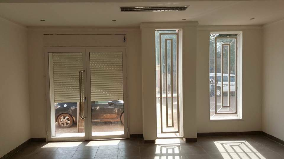 magasins et bureaux louer niarela bamako. Black Bedroom Furniture Sets. Home Design Ideas