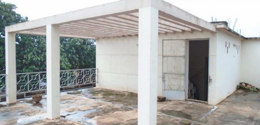 Villa avec piscine à vendre à hippodrome Bamako
