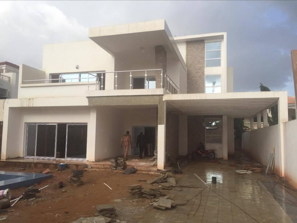 Location villa a badalabougou zone r sidentielle avec piscine se loger au mali for Site de villa a louer