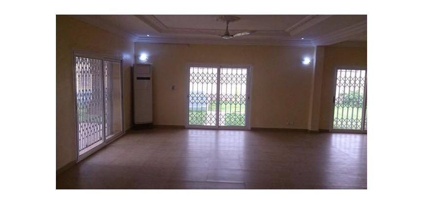 Villa à vendre à Baco Djicoroni Bamako avec piscine
