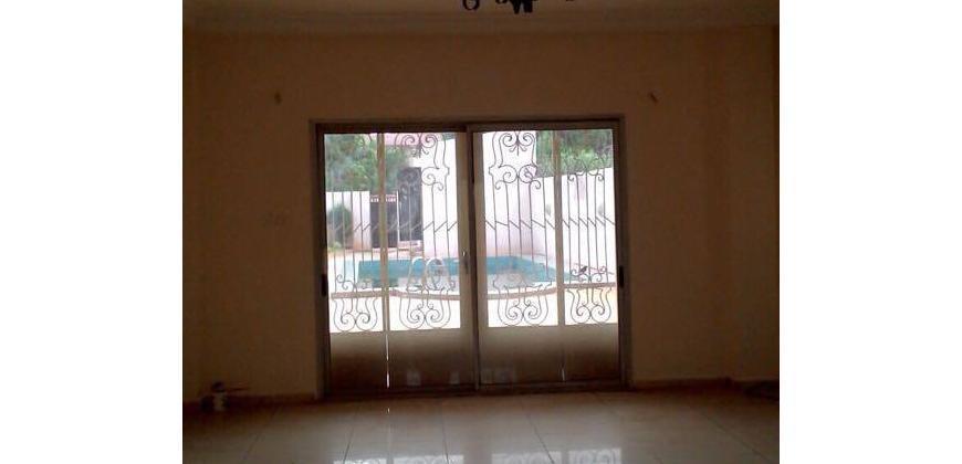 Villa à louer à Faso Kanu Magnambougou avec piscine