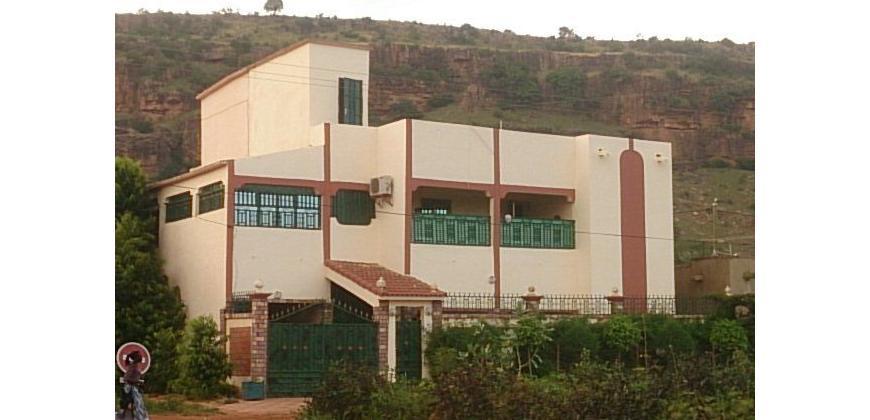 villa meubl e louer sebenikoro bamako ref 9594 se loger au mali. Black Bedroom Furniture Sets. Home Design Ideas