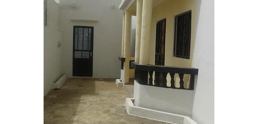 Villa avec titre foncier a vendre a Faladie Bollé