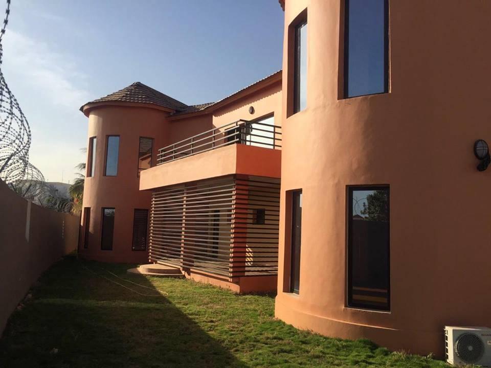 Sublime Villa Haut De Standing La Cit Du Niger Avec Une