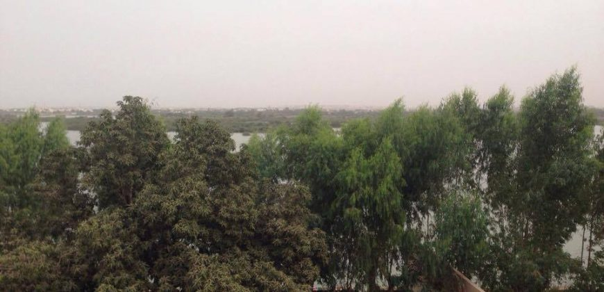 Location villa avec piscine a Sebenicoro en bordure du fleuve Niger.
