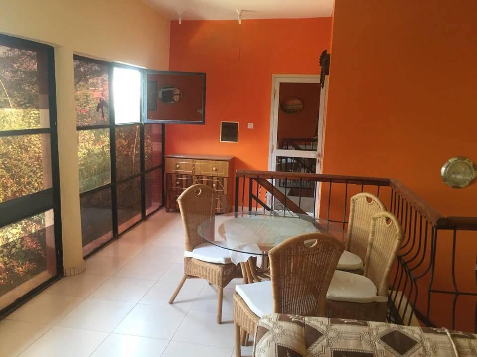 Villa meubl e avec piscine louer missabougou ref for Appartement a louer a sidi bouzid avec piscine