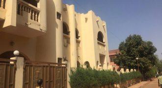 Villa avec piscine a louer a la cité du Niger près de l'hôtel MANDE