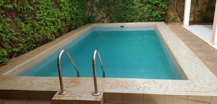 Villa meublée avec piscine a louer a Hippodrome Bamako