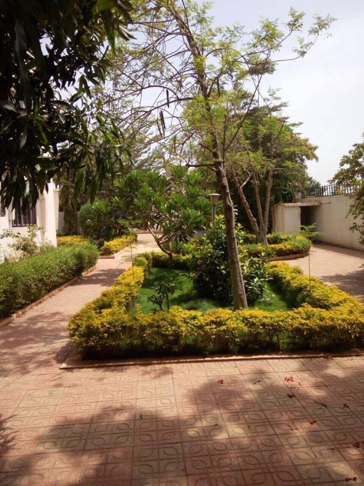 Maison avec piscine a louer a missabougou bamako ref for Maison a louer