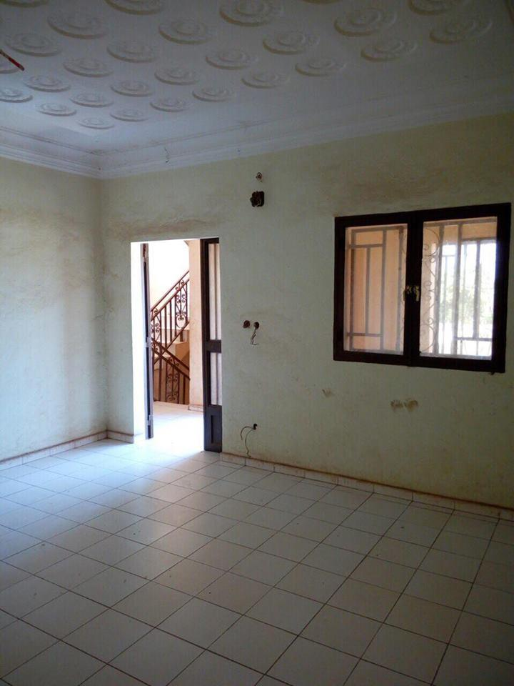 vente maison villa s b nikoro bamako vente de maison pas chere a sebenicoro. Black Bedroom Furniture Sets. Home Design Ideas