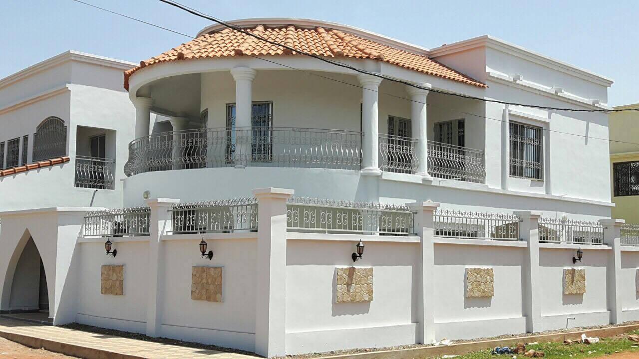 location villa avec piscine la cit du niger ref 5684 se loger au mali. Black Bedroom Furniture Sets. Home Design Ideas