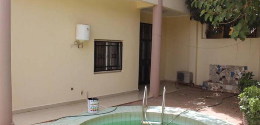 Maison a louer a Badalabougou avec piscine