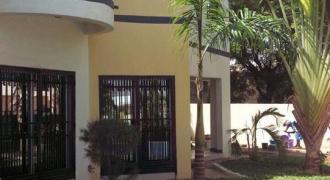 Duplex avec piscine a louer a Bollé Bamako