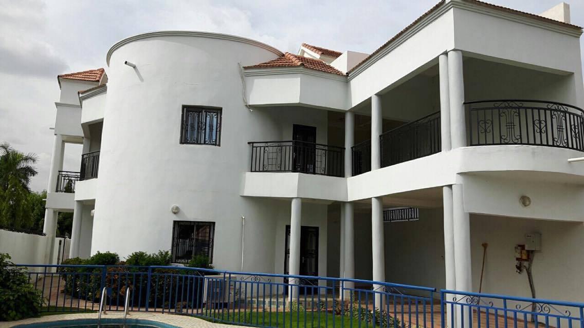 Villa moderne a louer cite du niger bamako mali for Belles villas modernes