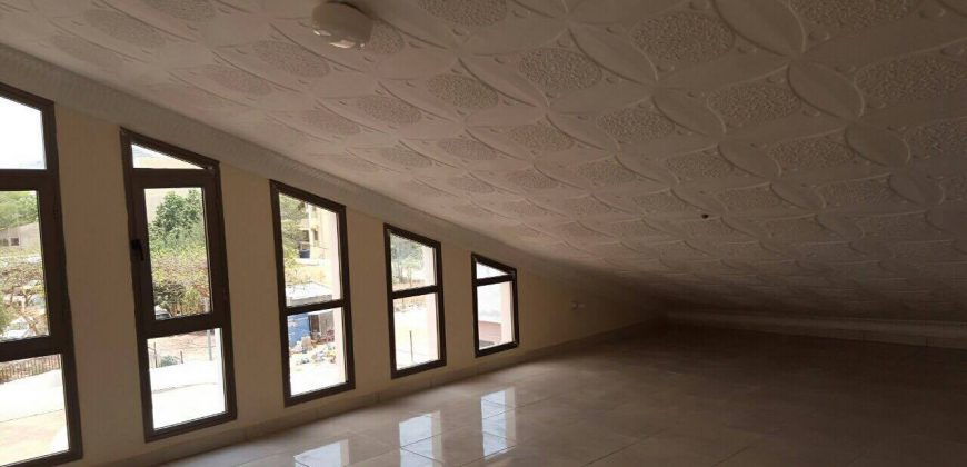 Villa triplex a louer a aci 2000 hamdallaye Bamako