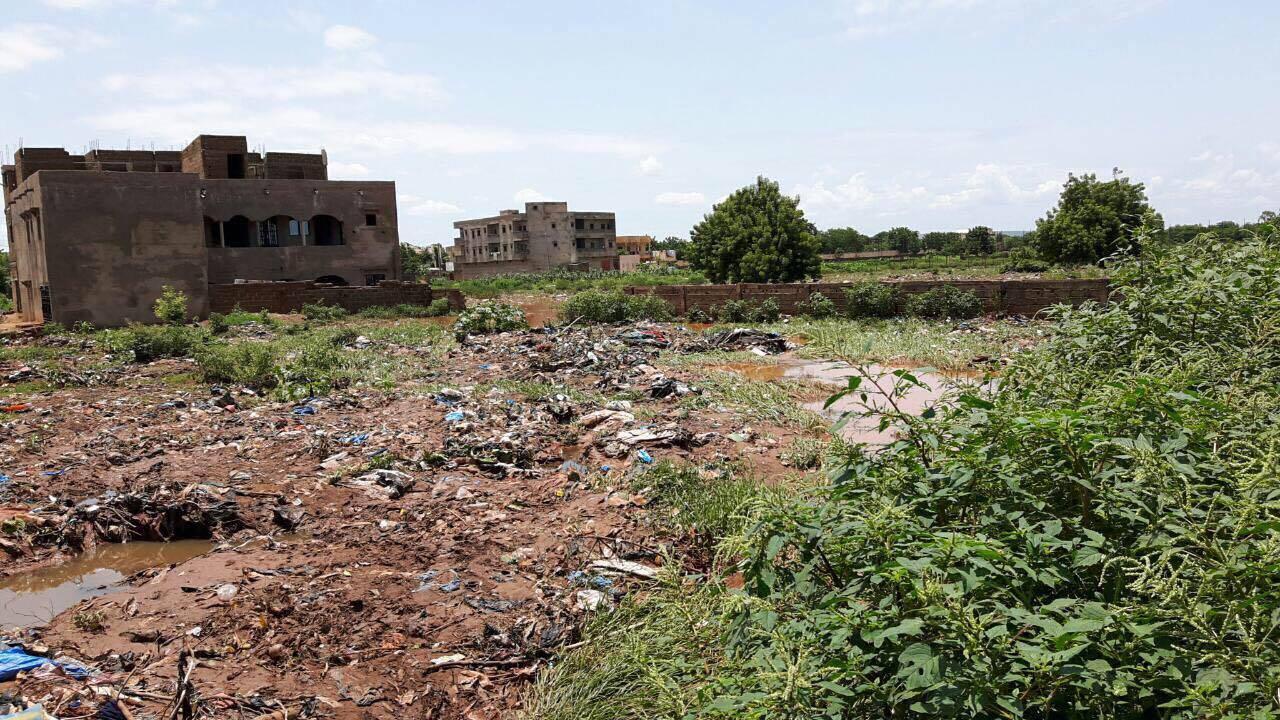 A vendre terrain sotuba bamako ref 6652 se loger au mali for Construire une maison au mali