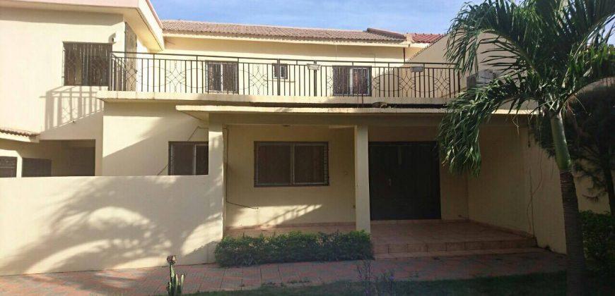 Belle villa avec jardin a louer a ACI 2000, Bamako