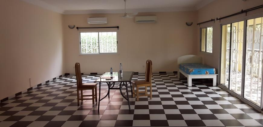 Villa meublée avec piscine à louer à Sébénicoro Bamako
