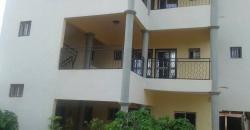 Bâtiment commercial ou résidentiel à louer à Faso Kanu
