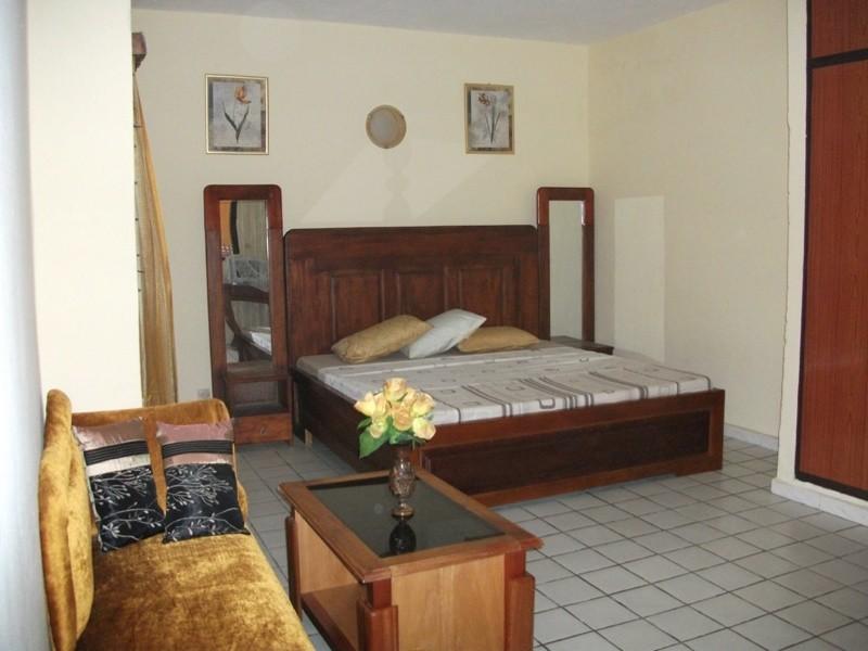 Studio meubl pour location de vacances abidjan ref for Location meuble vacances