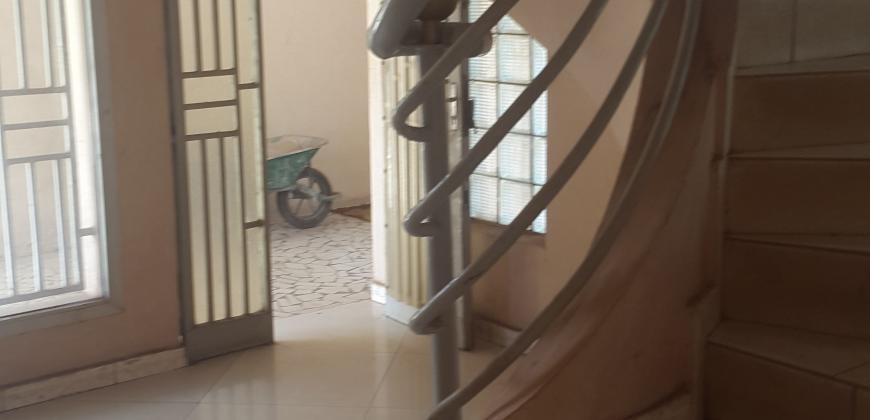 Villa Duplex à louer à HIPPODROME, Bamako