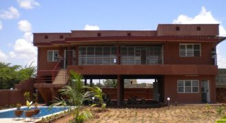 A louer Grande villa avec piscine au bord du fleuve à Kalaban Koro