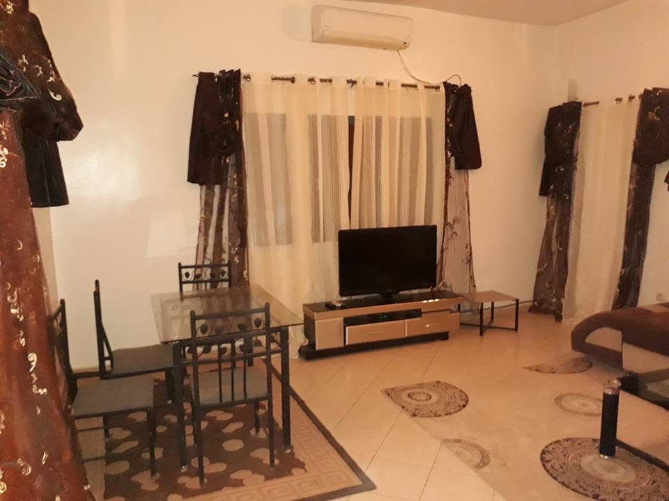 appartement meuble montreal pas cher conceptions de la maison. Black Bedroom Furniture Sets. Home Design Ideas