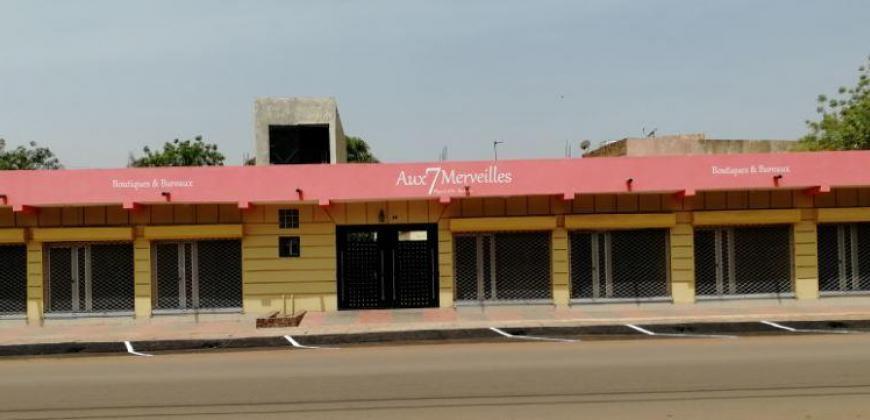 Location de boutiques et bureaux aux 7 Merveilles, place CAN