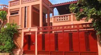 Joli duplex en brique rouge (BTC) avec piscine à louer à Sotuba ACI