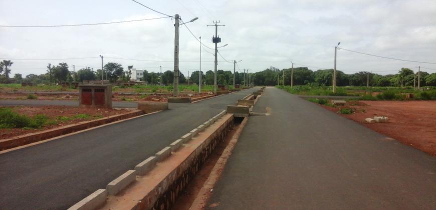 Terrain de 300 m2 en titre foncier à vendre à Sébénikoro