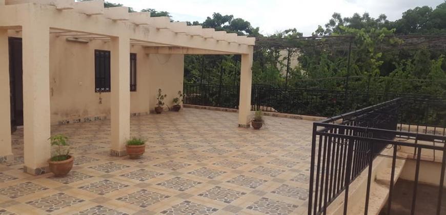 Villa avec piscine à louer à Hipodrome Bamako