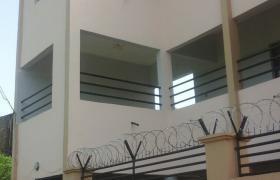 Immeuble batit sur 612m2 en TF à Sébénikoro
