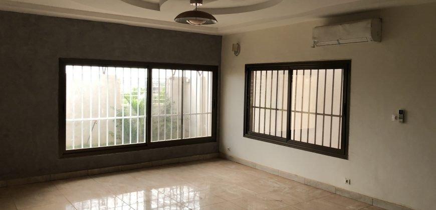 Villa duplex neuve à louer à Bacodjicoroni Golf bamako