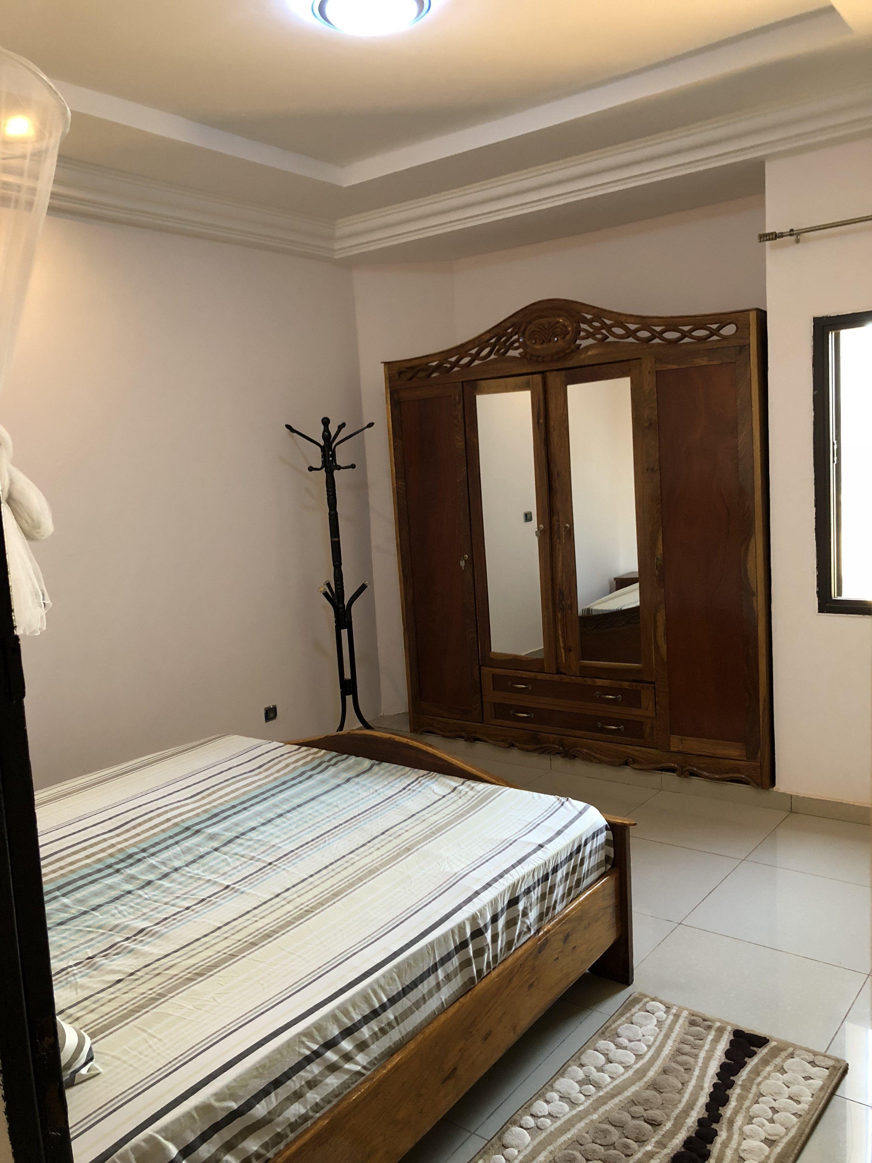 Appartement propre meublé à l'entrée de sebenicoro