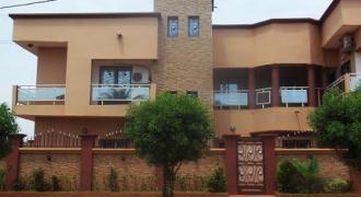 Villa duplex a louer a la zone industrielle Bamako