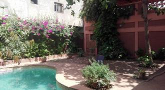 Très jolie Maison meublée (RdC) en brique de terre compressée (avec piscine) à Sotuba ACI