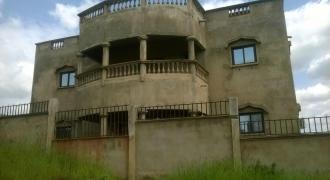Magnifique villa de 350 m2 à achever à kati sanafara